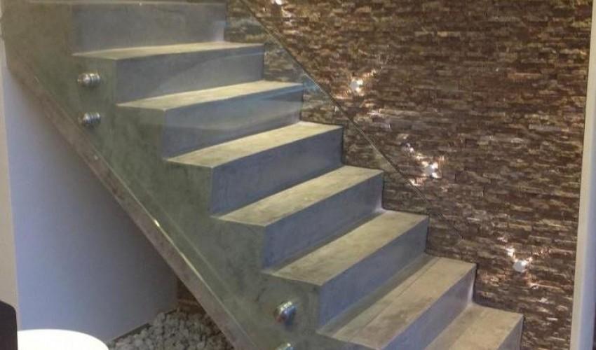 Escalier en b ton cir for Construction escalier beton interieur